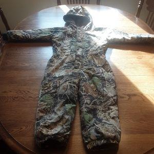 Boy's Cabela's snow suit 4/5 $35.00 #806